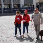 Een team van Vrienden der Blinden vertrekt om te flyeren in Kortrijk